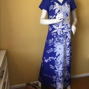 Vintage 1960's Sand & Pebble Hawaiian dress/mumu.